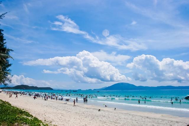 Xúc tiến đầu tư và quảng bá du lịch vùng duyên hải miền Trung - Ảnh 1.