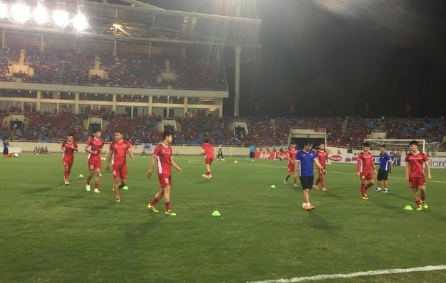 Việt Nam vs Philippines:  Quang Hải, Công Phương ghi bàn giúp đội tuyển Việt Nam vào chơi trận chung kết AFF Cup 2018 - Ảnh 14.