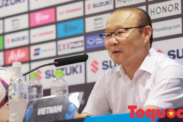 HLV Park Hang-seo kết bàn thắng của Công Phượng - Ảnh 1.