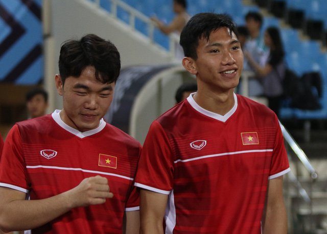 Việt Nam vs Philippines:  Quang Hải, Công Phương ghi bàn giúp đội tuyển Việt Nam vào chơi trận chung kết AFF Cup 2018 - Ảnh 22.