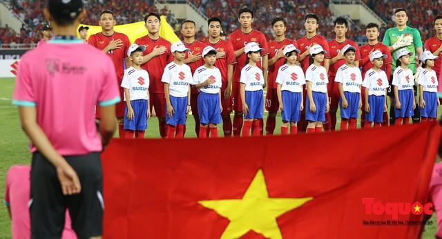 """""""Sốt"""" Tour đi Malaysia cổ vũ đội tuyển Việt Nam tại trận chung kết lượt đi AFF Cup 2018 - Ảnh 2."""