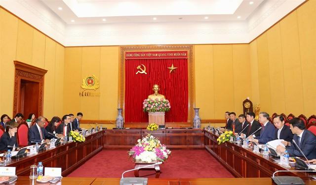 Việt Nam -  Singapore tăng cường hợp tác chống tội phạm khủng bố, tội phạm kinh tế, truy nã, an ninh mạng - Ảnh 2.