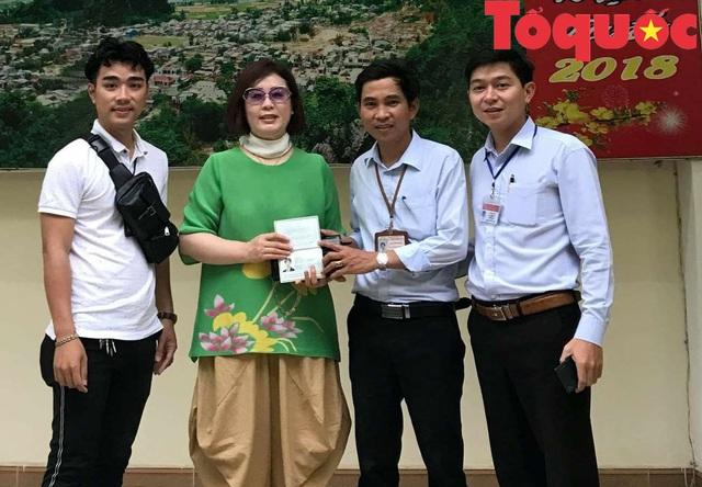 Trả lại tài sản cho du khách Hàn Quốc đánh rơi khi đi du lịch ở Đà Nẵng - Ảnh 1.