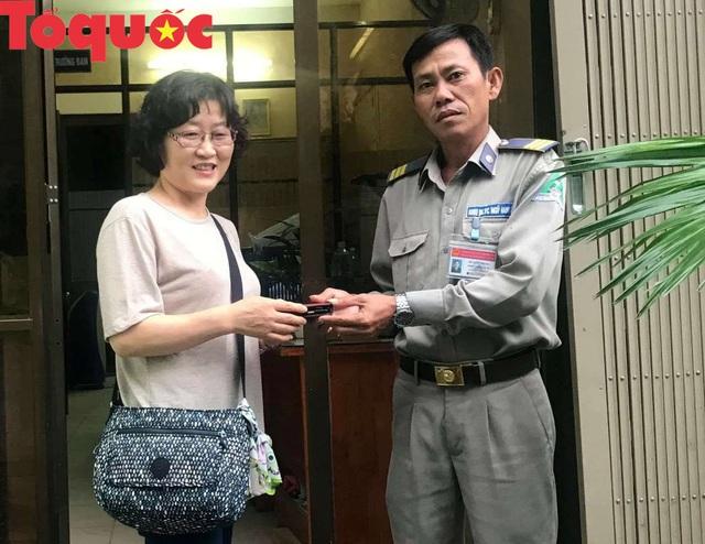 Trả lại tài sản cho du khách Hàn Quốc đánh rơi khi đi du lịch ở Đà Nẵng - Ảnh 2.