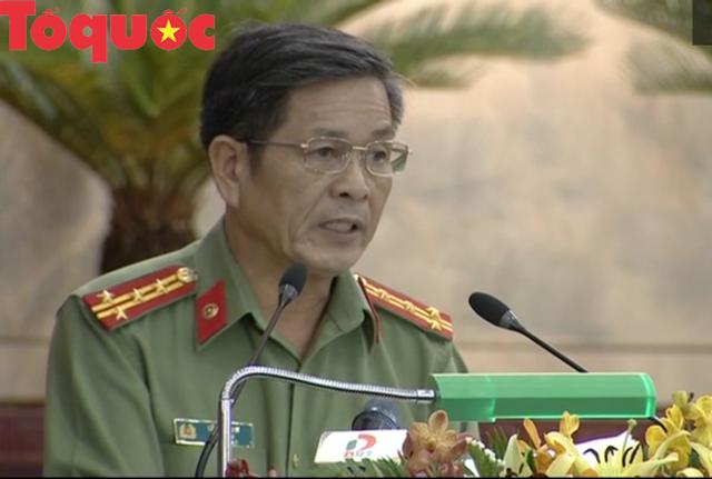 Thi hành kỷ luật nguyên Giám đốc Công an thành phố Đà Nẵng - Ảnh 1.