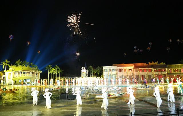 Hình ảnh ấn tượng chào năm mới 2019 từ sân khấu thực cảnh Ký ức Hội An - Ảnh 1.