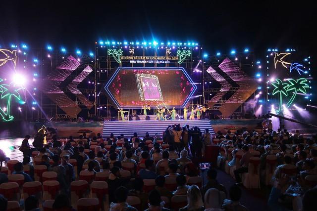 Lễ công bố Năm du lịch quốc gia 2019 tại Nha Trang – Khánh Hoà: Lung linh đêm Nha Trang – Sắc màu của biển - Ảnh 2.