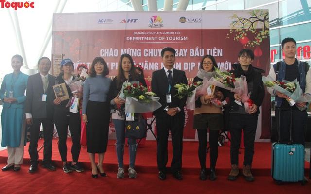 """Du khách trên chuyến bay đầu tiên tới Đà Nẵng đầu năm 2019: """"Chúng tôi bất ngờ với sự đón tiếp nồng hậu và thân thiện..."""" - Ảnh 5."""