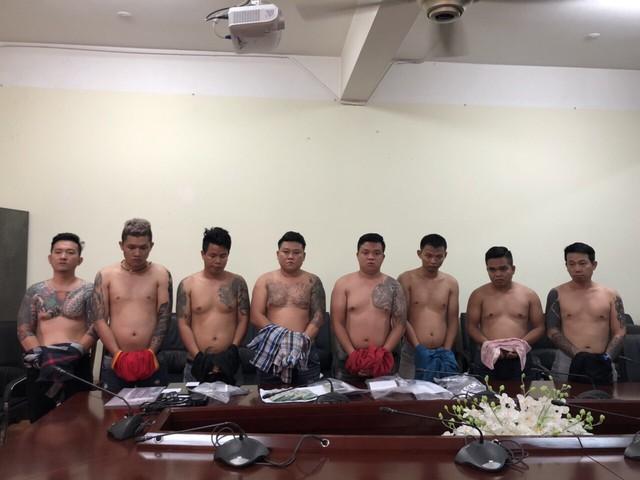 Bộ Công an đánh sập băng nhóm giang hồ Vũ bông hồng ở Sài Gòn - Ảnh 1.