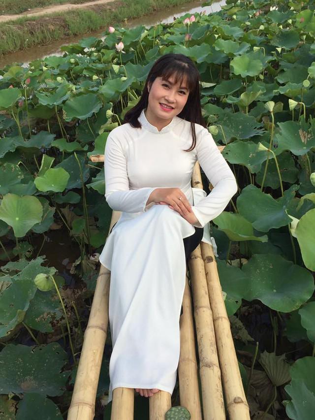 Nhan sắc xinh đẹp của vợ và ba con của Quang Thắng - Ảnh 6.
