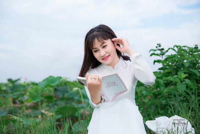 Nhan sắc xinh đẹp của vợ và ba con của Quang Thắng - Ảnh 9.