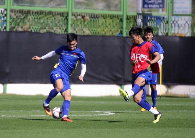 ĐT Việt Nam trở lại sân tập, Duy Mạnh khẳng định: Chúng tôi vẫn sẽ chơi hết mình - Ảnh 9.