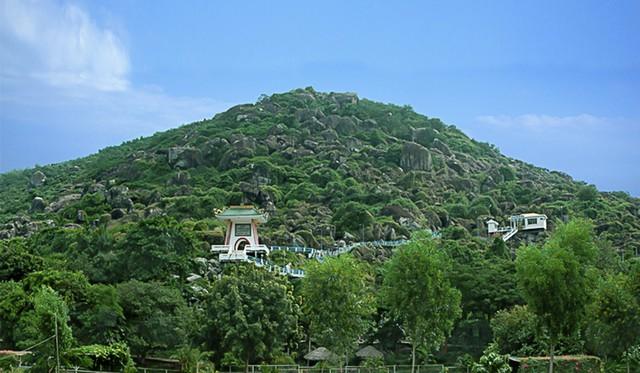 Đầu tư 200 tỷ xây dựng Khu di tích lịch sử đồi Tức Dụp  thành điểm du lịch nổi tiếng của tỉnh An Giang - Ảnh 1.