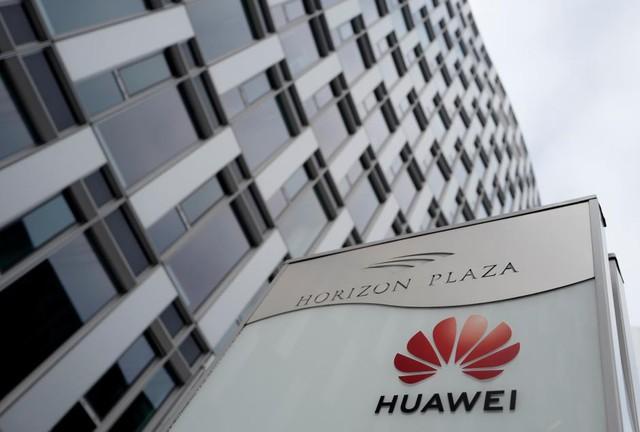 Huawei lại bất ngờ vấp đòn giáng mạnh tại Ba Lan? - Ảnh 1.