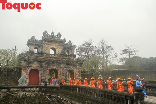 Năm 2019, Thừa Thiên Huế phấn đấu đạt 2,5 triệu khách du lịch quốc tế - Ảnh 1.