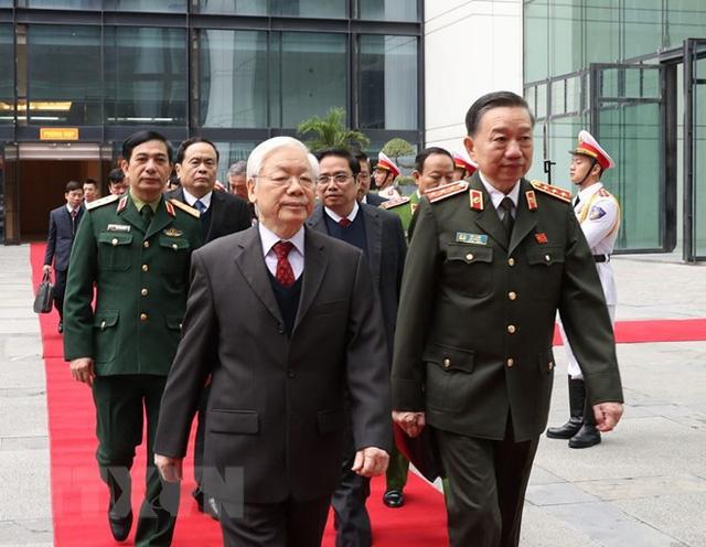 Bộ trưởng Tô Lâm: Mỗi cán bộ, chiến sỹ Công an phải giữ mình trong sạch, vững vàng, không bị sa ngã trước sự mua chuộc  - Ảnh 1.