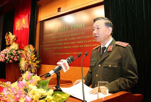 Bộ trưởng Tô Lâm: Mỗi cán bộ, chiến sỹ Công an phải giữ mình trong sạch, vững vàng, không bị sa ngã trước sự mua chuộc  - Ảnh 2.