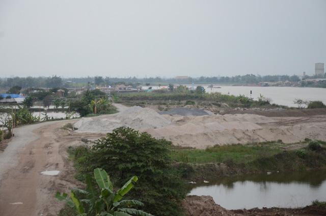 Hải Dương:  Công trình không phép ngang nhiên xây dựng trên sông Thái Bình - Ảnh 2.
