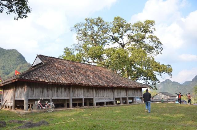 Độc đáo ngôi đình cổ mang kiến trúc nhà sàn truyền thống của dân tộc Tày ở Lạng Sơn - Ảnh 2.