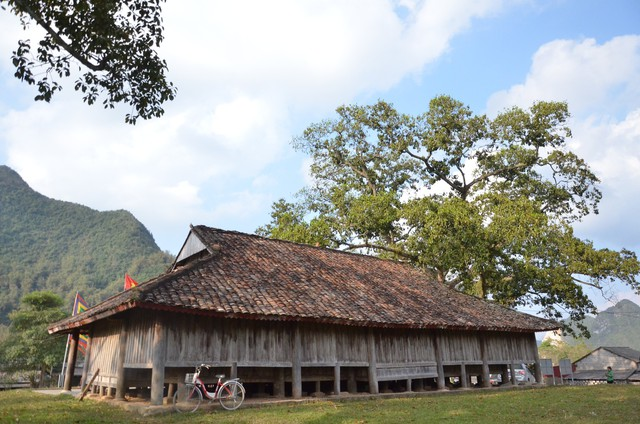 Độc đáo ngôi đình cổ mang kiến trúc nhà sàn truyền thống của dân tộc Tày ở Lạng Sơn - Ảnh 3.