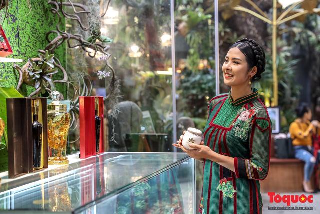 Thủ tướng Nguyễn Xuân Phúc: Bảo tồn di sản văn hóa Kon Tum và Di sản Tây Nguyên là nhiệm vụ quan trọng - Ảnh 3.
