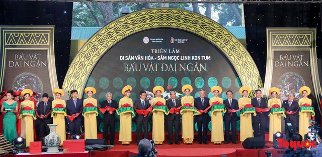 Thủ tướng Nguyễn Xuân Phúc: Bảo tồn di sản văn hóa Kon Tum và Di sản Tây Nguyên là nhiệm vụ quan trọng - Ảnh 2.