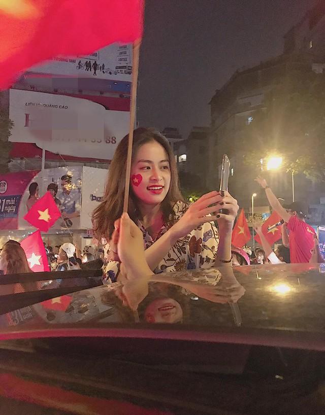 Sao Việt đi bão chúc mừng đội tuyển Việt Nam vào tứ kết Asian Cup 2019 - Ảnh 9.