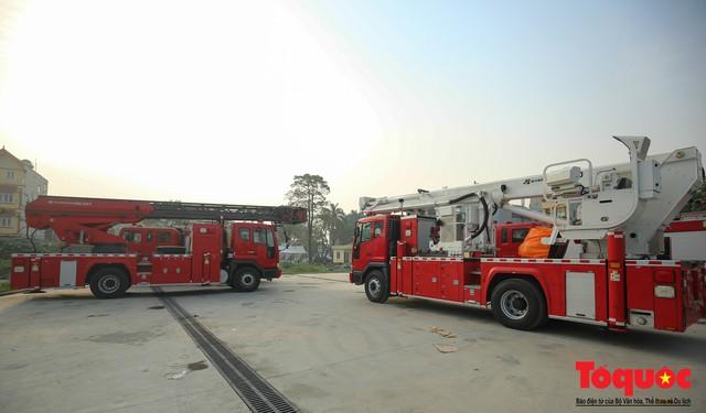 Mục sở thị dàn siêu xe mới của lực lượng PCCC và CNCH Việt Nam - Ảnh 13.