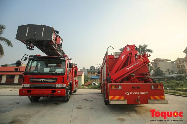 Mục sở thị dàn siêu xe mới của lực lượng PCCC và CNCH Việt Nam - Ảnh 3.