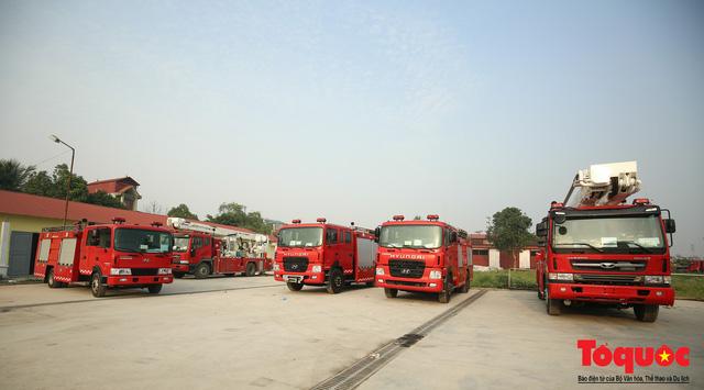 Mục sở thị dàn siêu xe mới của lực lượng PCCC và CNCH Việt Nam - Ảnh 1.