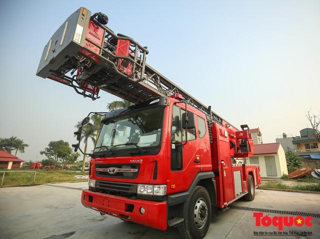 Mục sở thị dàn siêu xe mới của lực lượng PCCC và CNCH Việt Nam - Ảnh 5.