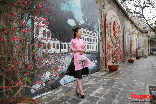[Bài đăng mùng 3 tết] Điểm danh những điểm chụp ảnh Tết siêu đẹp chỉ có ở Hà Nội - Ảnh 9.