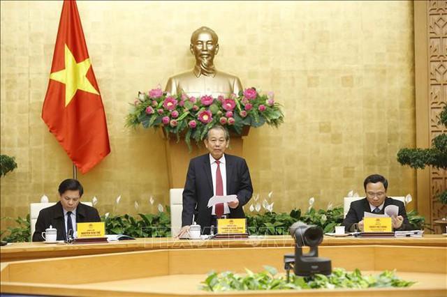 Phó Thủ tướng Trương Hòa Bình yêu cầu thực hiện nghiêm quy định về khám sức khoẻ định kỳ đối với lái xe - Ảnh 1.