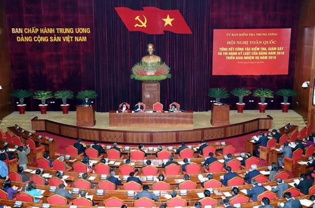 Chủ tịch Quốc hội: Tập trung kiểm tra toàn diện công tác tổ chức, cán bộ, đặc biệt nhân sự chuẩn bị cho đại hội đảng bộ các cấp - Ảnh 2.