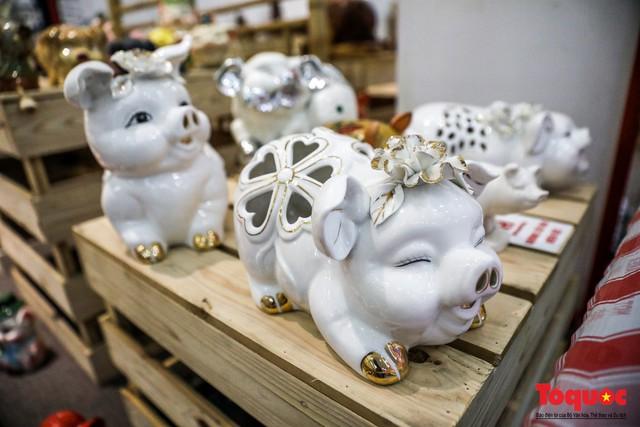 """Chiếm ngưỡng gần 2.000 chú """"Lợn sung túc"""" của nhà sử học Dương Trung Quốc - Ảnh 7."""