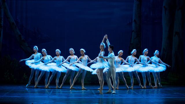 Năm 2019, Nhà hát Nhạc Vũ Kịch Việt Nam sẽ dàn dựng hoàn chỉnh vở ballet cổ điển Hồ Thiên Nga - Ảnh 2.