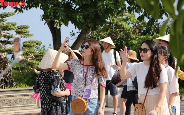 Đà Nẵng: Tổng thu từ hoạt động du lịch năm 2018 ước đạt hơn 24 nghìn tỷ đồng - Ảnh 2.