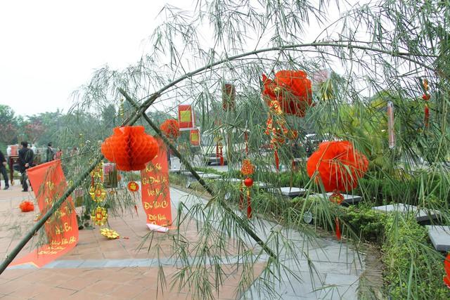 Độc đáo Lễ dựng cây nêu theo phong tục đón Tết tại Ngôi nhà chung - Ảnh 2.