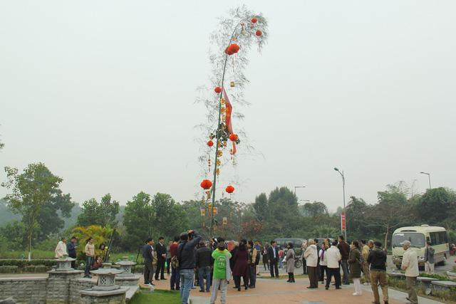 Độc đáo Lễ dựng cây nêu theo phong tục đón Tết tại Ngôi nhà chung - Ảnh 4.