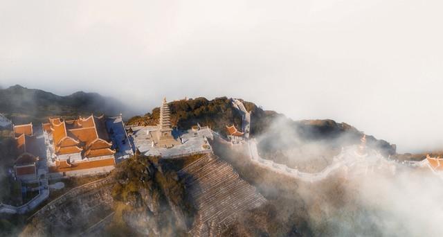 Fansipan - ngọn núi huyền tích, sự ích kỷ và giấc mơ chinh phục đỉnh trời - Ảnh 2.