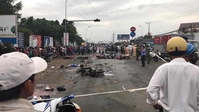 Phó Thủ tướng chỉ đạo điều tra và xử lý nghiêm vụ xe container đâm hàng loạt xe máy tại Long An - Ảnh 1.