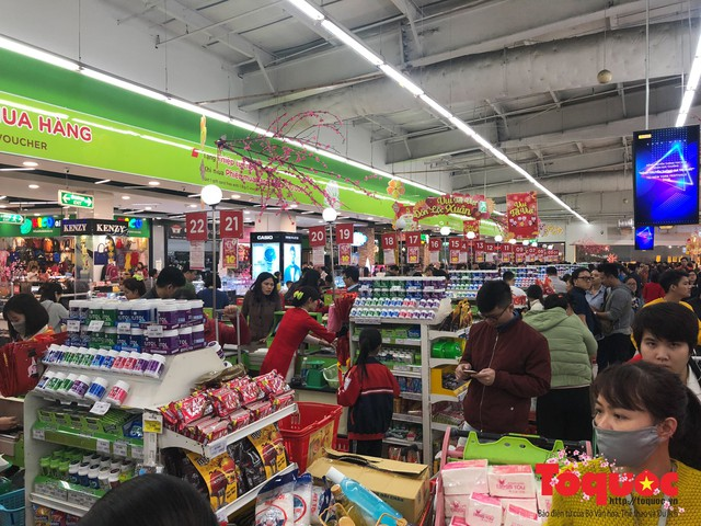 Giáp Tết: Siêu thị ken đặc người dân đi mua sắm - Ảnh 12.