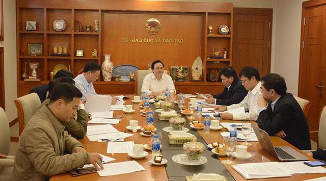 Chủ tịch Hội đồng Giáo sư Nhà nước Phùng Xuân Nhạ chủ trì phiên họp thứ nhất  - Ảnh 1.