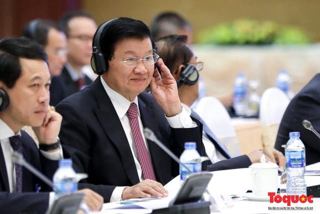 Thủ tướng Nguyễn Xuân Phúc và Thủ tướng CHDCND Lào đồng chủ trì Kỳ họp 41 Ủy ban Liên Chính phủ Việt Nam - Lào - Ảnh 4.