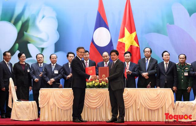 Thủ tướng Nguyễn Xuân Phúc và Thủ tướng CHDCND Lào đồng chủ trì Kỳ họp 41 Ủy ban Liên Chính phủ Việt Nam - Lào - Ảnh 5.