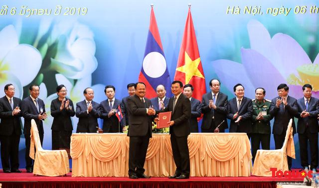 Thủ tướng Nguyễn Xuân Phúc và Thủ tướng CHDCND Lào đồng chủ trì Kỳ họp 41 Ủy ban Liên Chính phủ Việt Nam - Lào - Ảnh 6.
