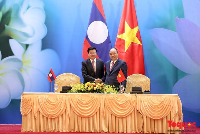 Thủ tướng Nguyễn Xuân Phúc và Thủ tướng CHDCND Lào đồng chủ trì Kỳ họp 41 Ủy ban Liên Chính phủ Việt Nam - Lào - Ảnh 8.