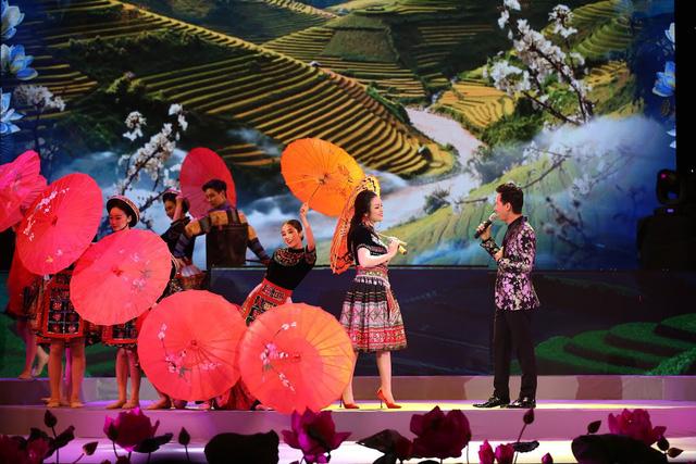 Các cơ quan thông tấn, báo chí đánh giá cao chất lượng nghệ thuật chương trình Vang mãi giai điệu Tổ Quốc 2019 - Ảnh 2.