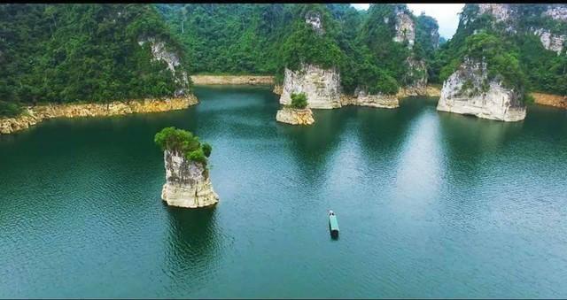 Vẻ đẹp của vịnh Hạ Long trên cạn, hồ Na Hang - Ảnh 7.