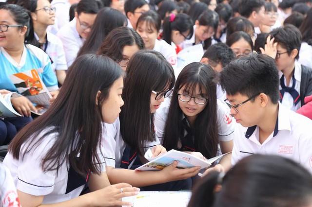 TP.HCM kiểm tra các trường THPT để đảm bảo công tác phân luồng học sinh - Ảnh 1.